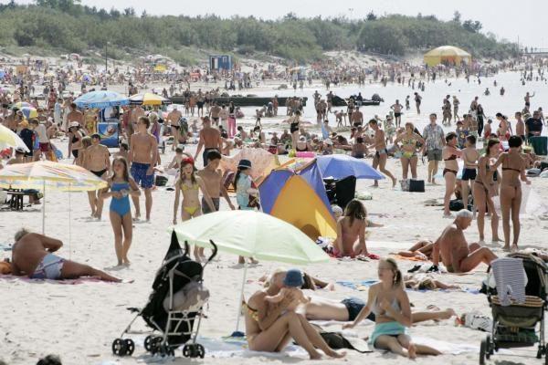 Gelbėtojai ieško paplūdimyje dingusio vyro