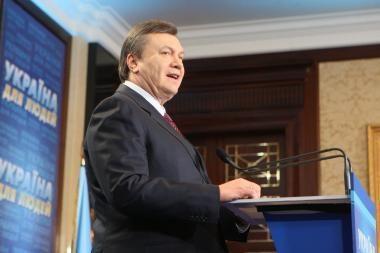 V.Janykovyčius tikisi, kad ukrainiečiai jau šįmet galės gauti teisę važinėti į Europą be vizų