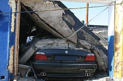 Kaune sprogimas sugriovė garažą