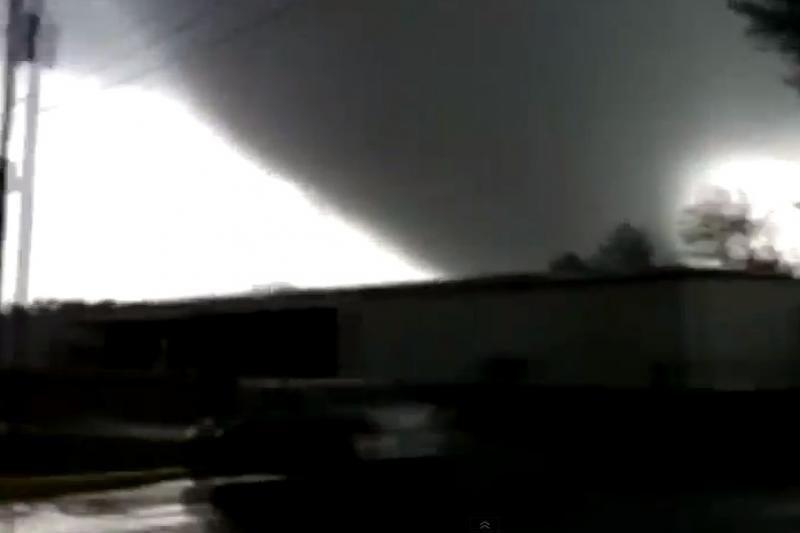 Nufilmuotas mirtino tornado šėlsmas Džordžijos valstijoje