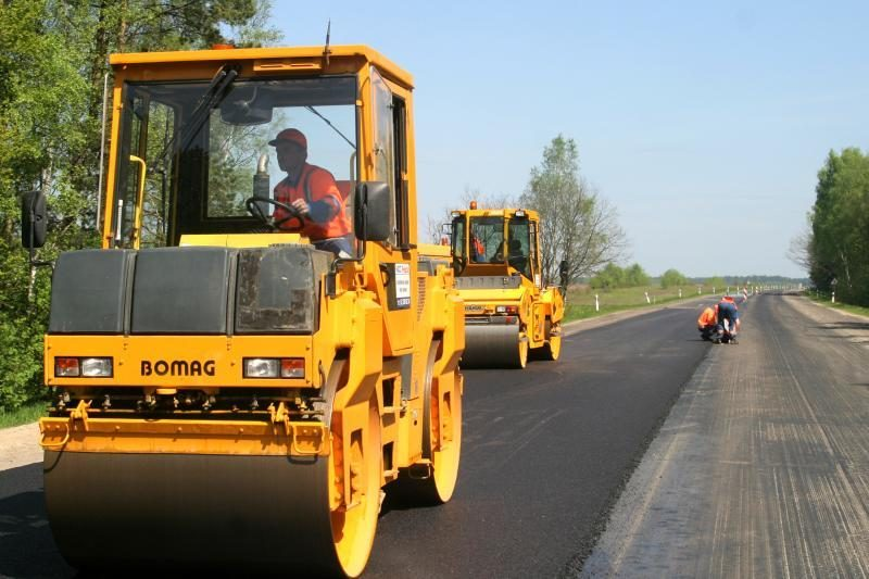 Daliai transporto priemonių siūloma mažinti kelių naudotojo mokestį