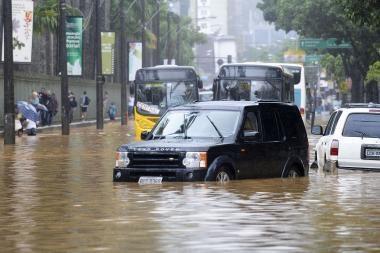 Rio de Žaneire liūtys nusinešė mažiausiai 95 žmonių gyvybes