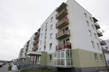 Naujų butų kainos šiemet toliau smuks