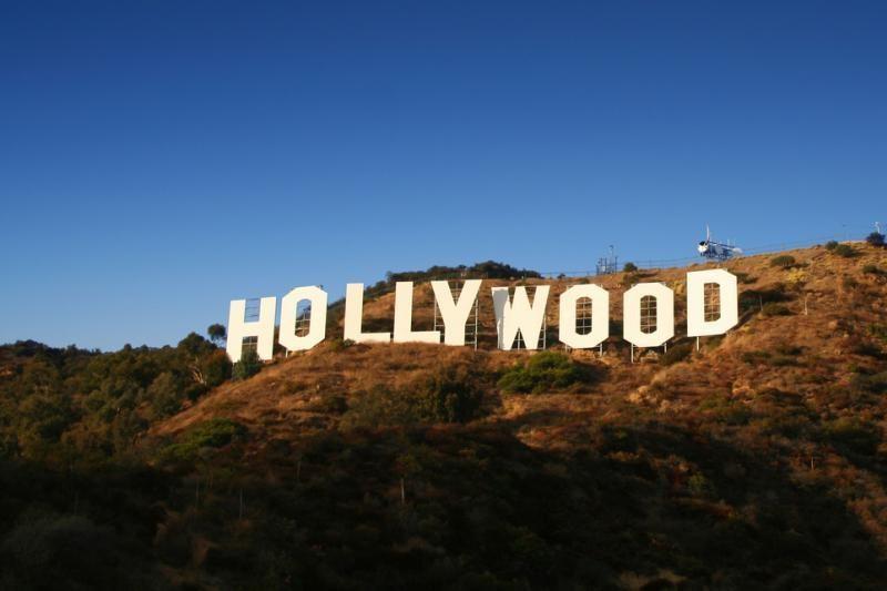 Atnaujintas Holivudo ženklas turi ir tragiškų žymių