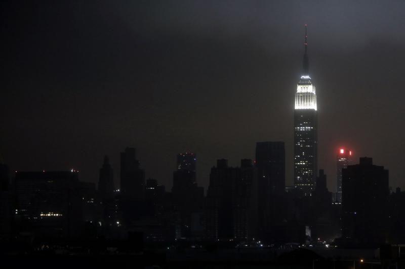 """Uraganas """"Sandy"""" Amerikoje nusiaubė Niujorką"""