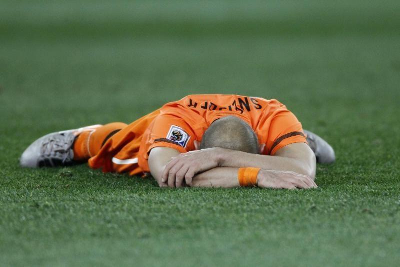 W.Sneijderis turėtų praleisti mačą su Vokietija