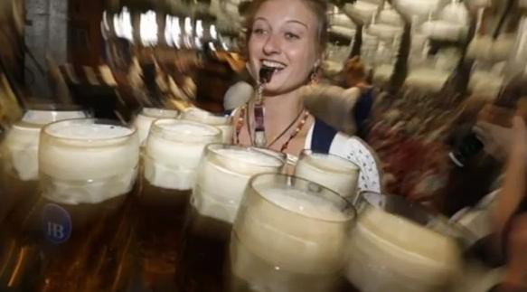 """Šiemet vokiečių pasididžiavimas """"Oktoberfest"""" sulaukė mažiau lankytojų"""