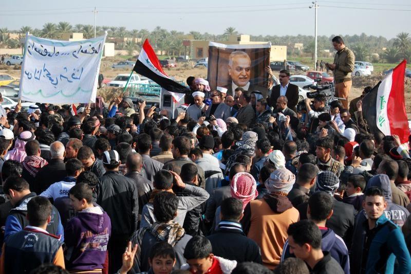 Sirijos režimo pajėgos atsikovojo vieną rajoną Homso mieste