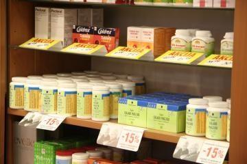 Seimo narys susirūpino dėl klaidinančios vaistų reklamos