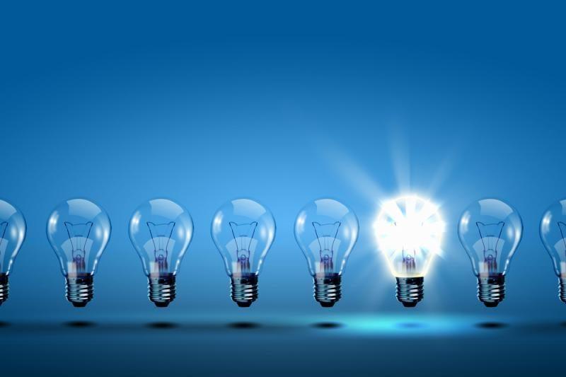 Panaudotas lemputes mesime į specialias talpas