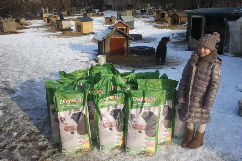 Devynmetės dovana beglobiams gyvūnams – 360 kg maisto