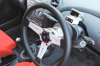 Lietuva privalės registruoti automobilius su vairu dešinėje pusėje