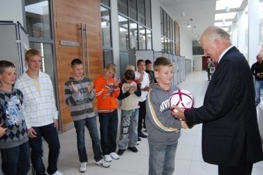 Savivaldybė pagerbė jaunuosius futbolo čempionus