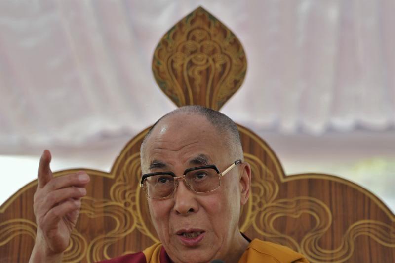 Dalai Lama giria naują popiežių ir jo vardo pasirinkimą