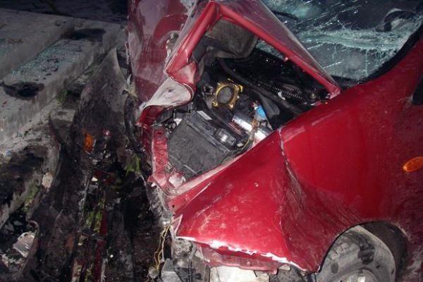Biržuose žuvo į namą atsitrenkusi vairuotoja