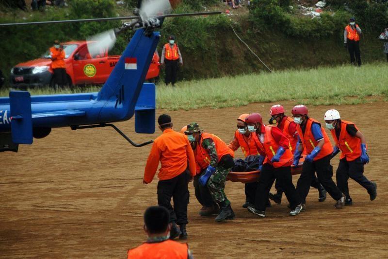 Lėktuvo katastrofos Indonezijoje centre atsidurs rasta juodoji dėžė
