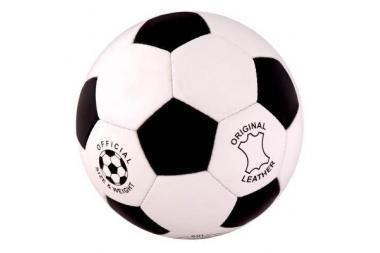 Salės futbolo pirmenybėse - netikėtumų gausa