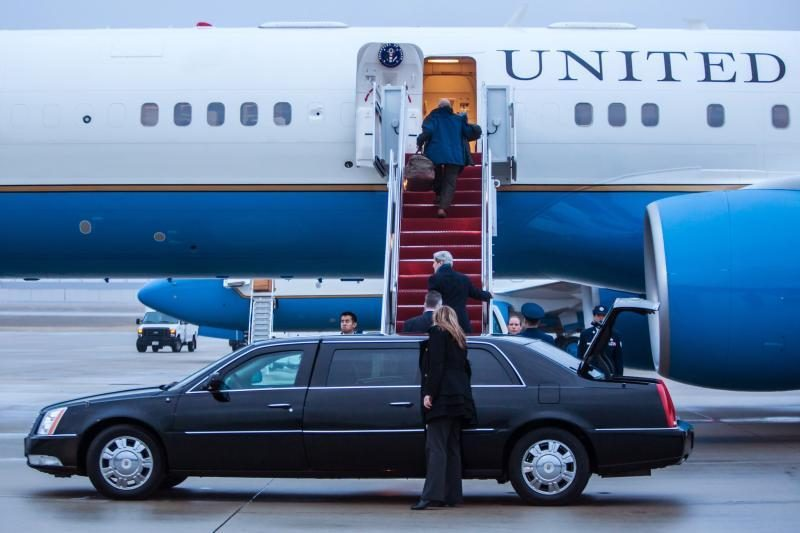 J. Kerry išvyko į Europą ir Artimuosius Rytus