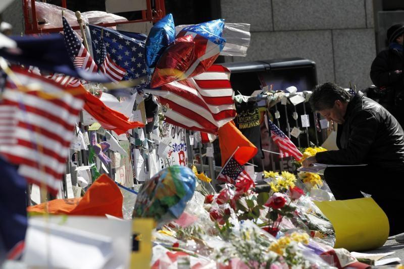 """Tyrime dėl sprogdinimų Bostone plečiamas """"dominančių asmenų"""" ratas"""