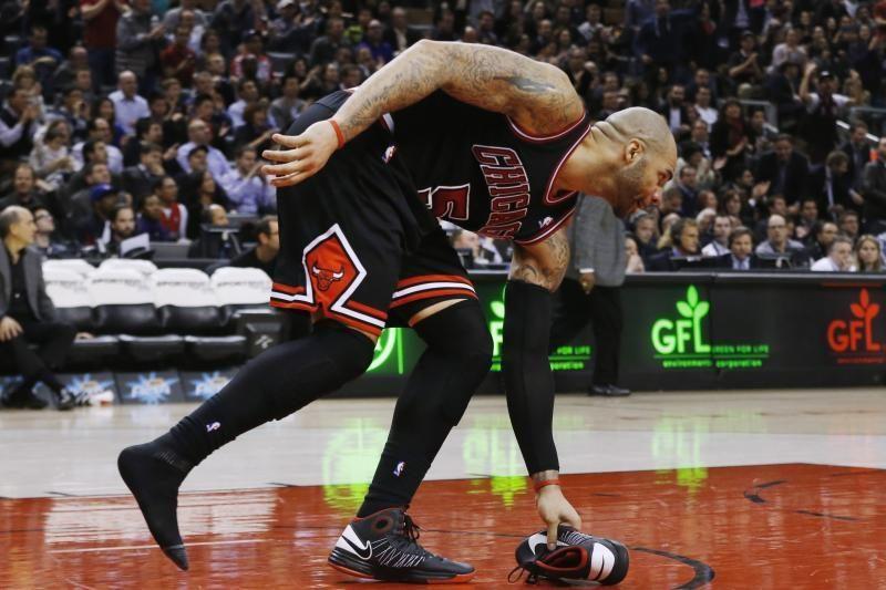 """""""Raptors"""" paskutinėmis sekundėmis nusileido """"Bulls"""""""