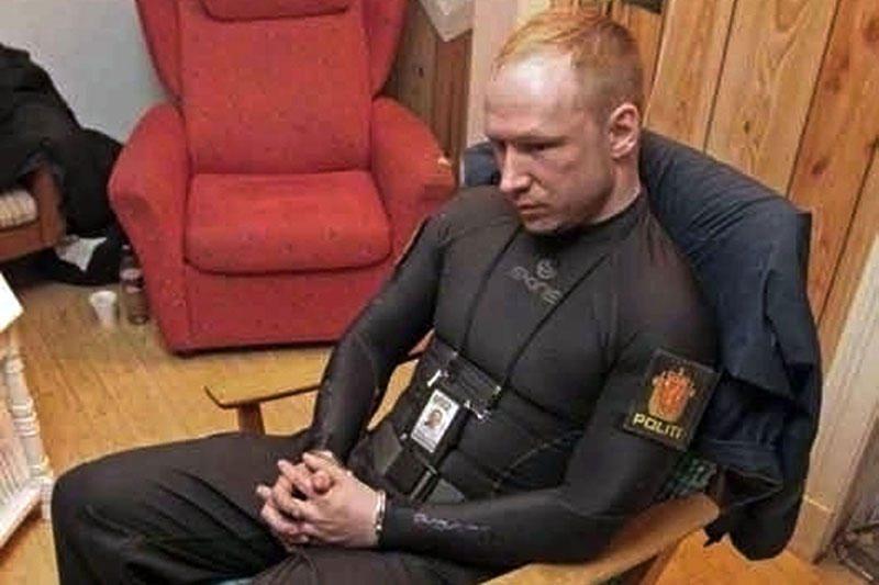 """A.B.Breivikui pateikti kaltinimai dėl """"teroro veiksmų"""""""