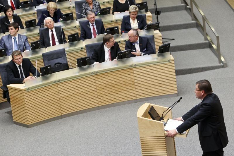 V.Gedvilas sako prašęs Seimo narių nebalsuoti vieniems už kitus