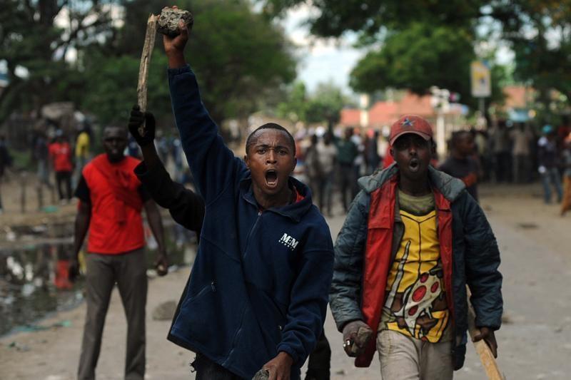 """Somalio grupuotė """"Shebab"""" paskelbė nužudžiusi įkaitą prancūzą"""