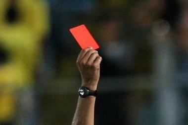 Naujojoje Akmenėje susikibo futbolininkės