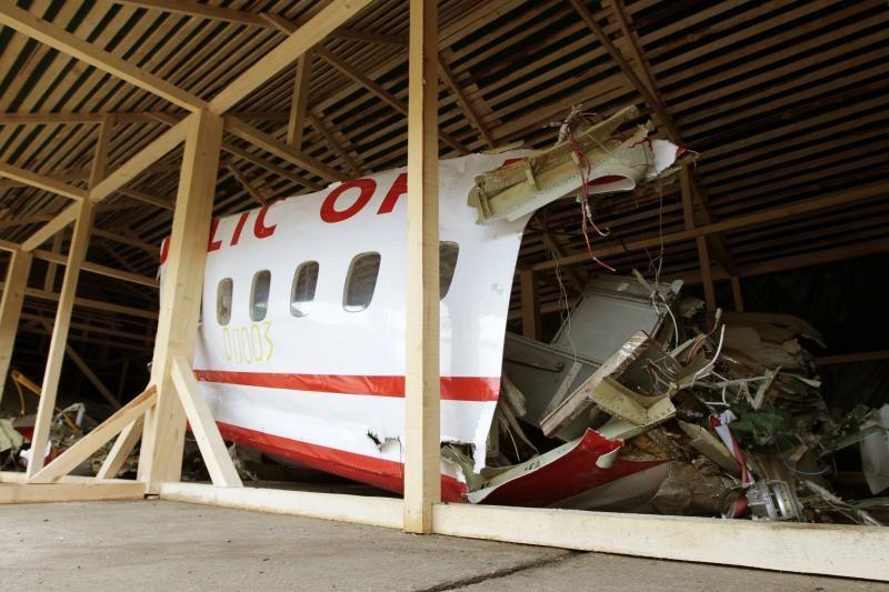 Teisiami iš sudužusio lėktuvo kredito korteles pavogę rusų kareiviai