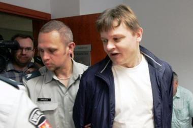 Karininkas įtariamas ne tik pedofilija, bet ir išžaginimais