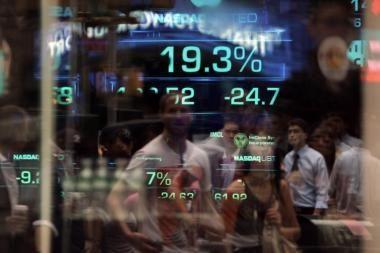 """JAV akcijų rinka išgyveno """"Juodąjį pirmadienį"""""""