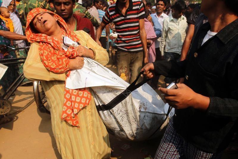 Bangladeše per gaisrą drabužių fabrike žuvo 109 žmonės