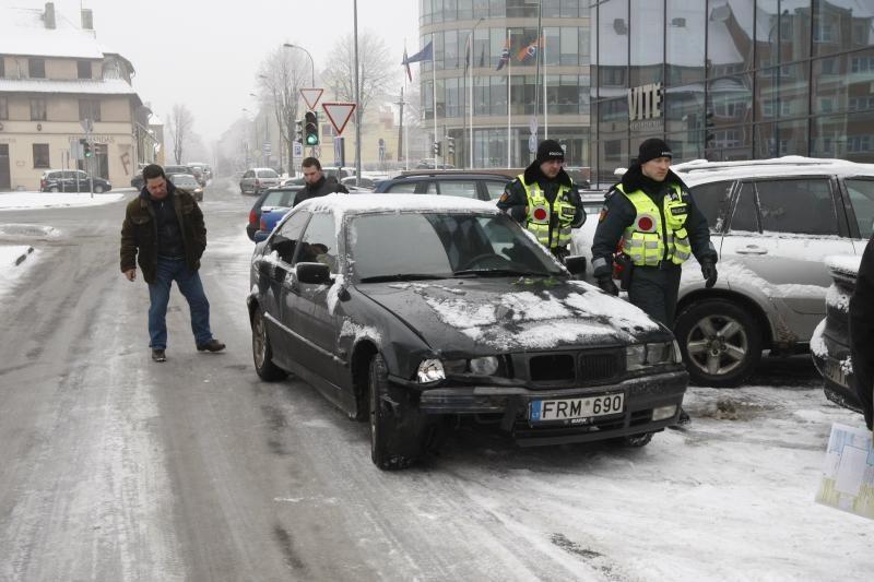 Klaipėdos kelininkus auklės       baudomis