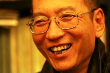 Japonija: pageidautina, kad Kinija paleistų Nobelio taikos premijos laureatą