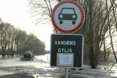 Potvynio grėsmę užgožė ledonešio pavojus