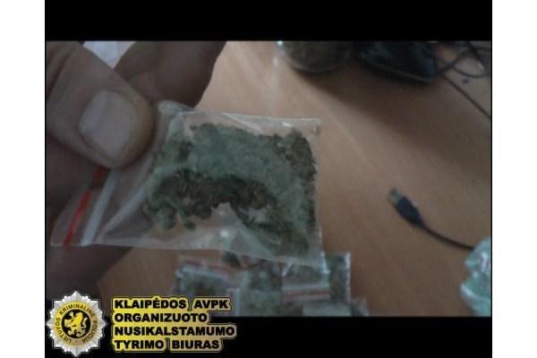 Klaipėdos r. vaikas į mokyklą atsinešė narkotikų