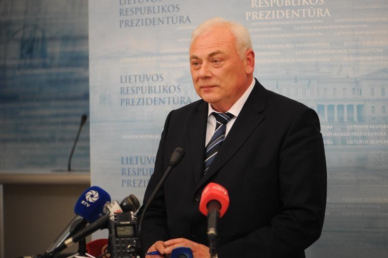 D. Barakauskas: atlyginimai statutiniams pareigūnams turėtų kilti