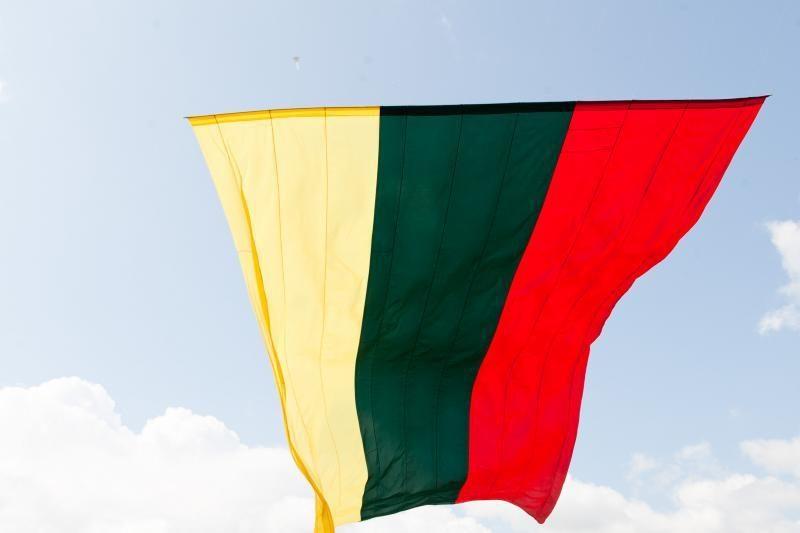 Klaipėdoje tradiciškai buvo iškelta Lietuvos vėliava