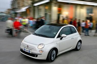"Seksualiausias automobili Britanijoje - ""Fiat 500"
