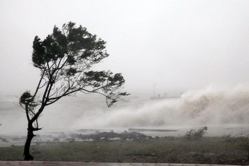 """Taivane dėl taifūno """"Soulik"""" žuvo vienas žmogus, 31 sužeistas"""