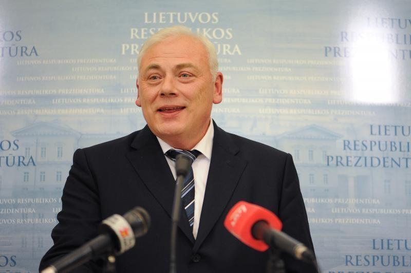 VRM ministras jau pasinaudojo reprezentacijai skirtomis lėšomis