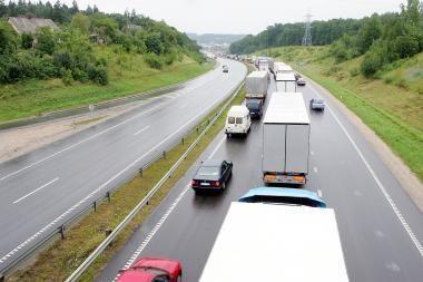 Gamintojų pastangos sukurti saugesnes automobilių valdymo sistemas