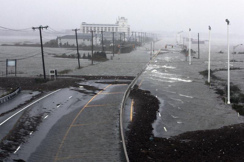 """Praūžus """"Sandy"""", orai Niujorke toliau krečia išdaigas"""
