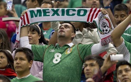 """""""Alaus lietus"""", arba kaip meksikiečiai liejo pyktį ant JAV gerbėjų"""