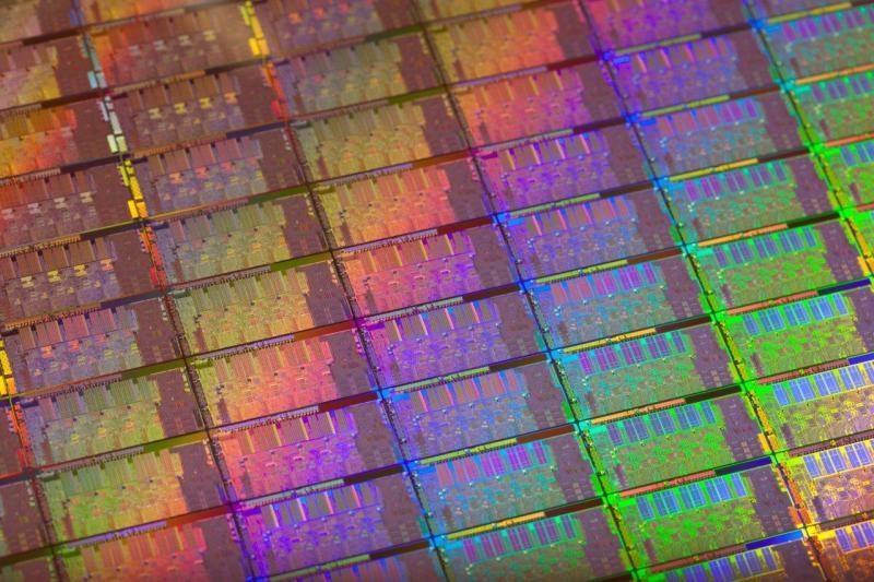 """""""Intel Ivy Bridge"""" pasirodys laiku, bet bus """"žiaurus deficitas"""""""