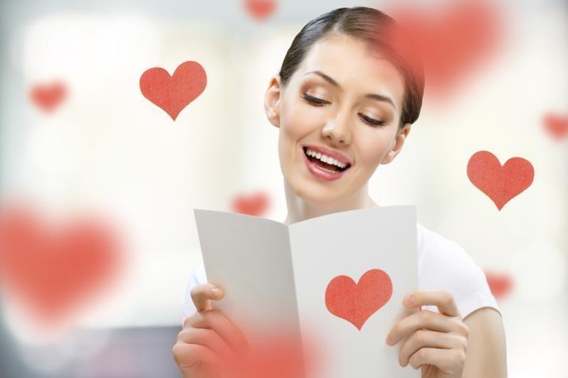 Meilės dieną brangesnes dovanas perka vyrai