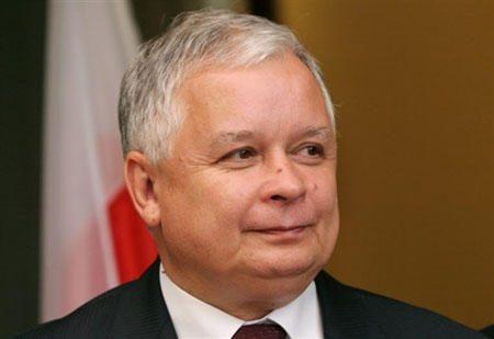 Rusija neatiduos L.Kaczynskio lėktuvo nuolaužų