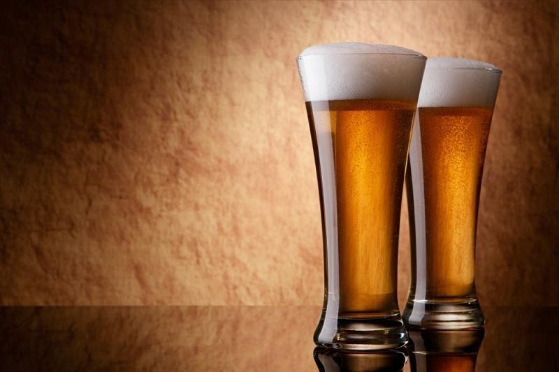 Nuo sausio alkoholio nebebus galima neštis į tribūnas