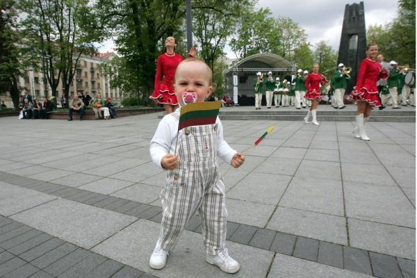 Tarptautinėje arenoje Lietuvai atstovauja daugiausia