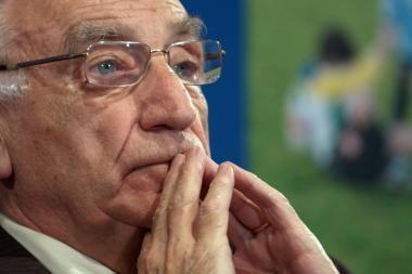 Dėl skandalo traukiasi Prancūzijos futbolo federacijos vadovas